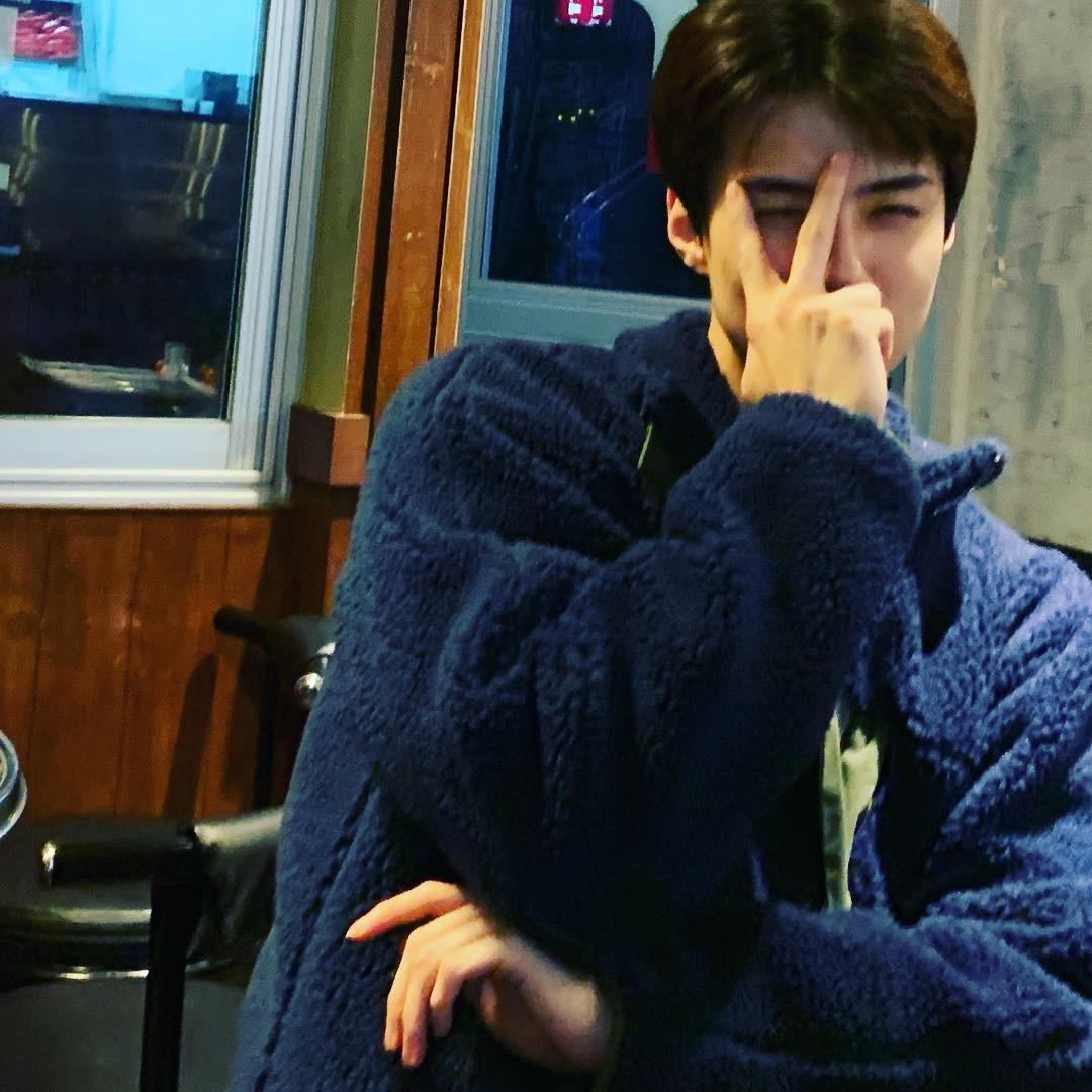 Netizen Hàn lại thuyết âm mưu: Sehun (EXO) chỉ đăng 1 bức ảnh liền bị ném đá vì cho rằng đang ủng hộ Seungri - Ảnh 2.
