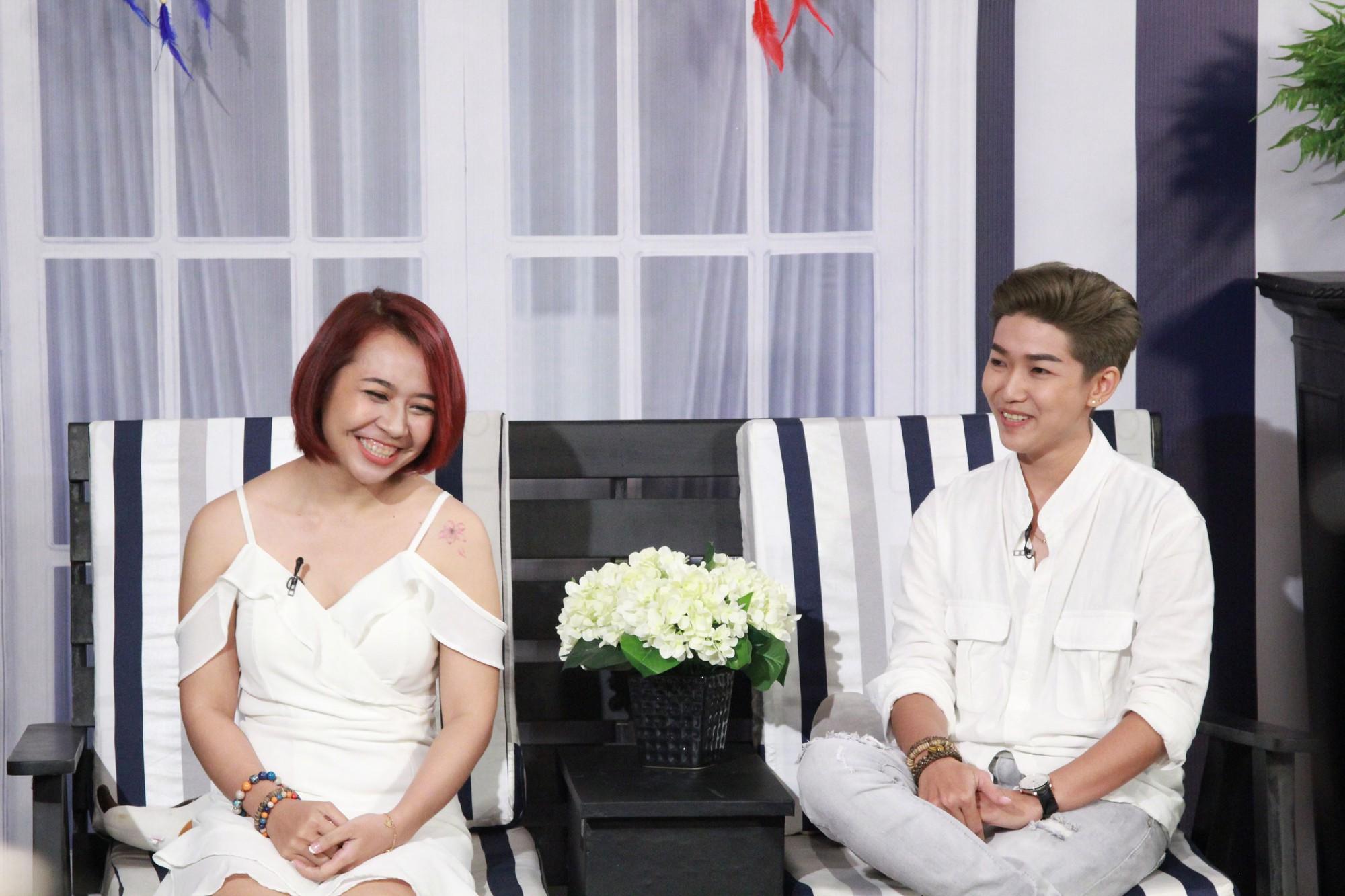Lâm Khánh Chi nghẹn ngào với màn cầu hôn bất ngờ của cặp đôi bách hợp - Ảnh 2.