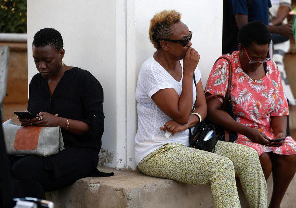 Hiện trường rơi máy bay thảm khốc ở Ethiopia: Thi thể nạn nhân la liệt, khung cảnh tang thương đầy ám ảnh - Ảnh 6.