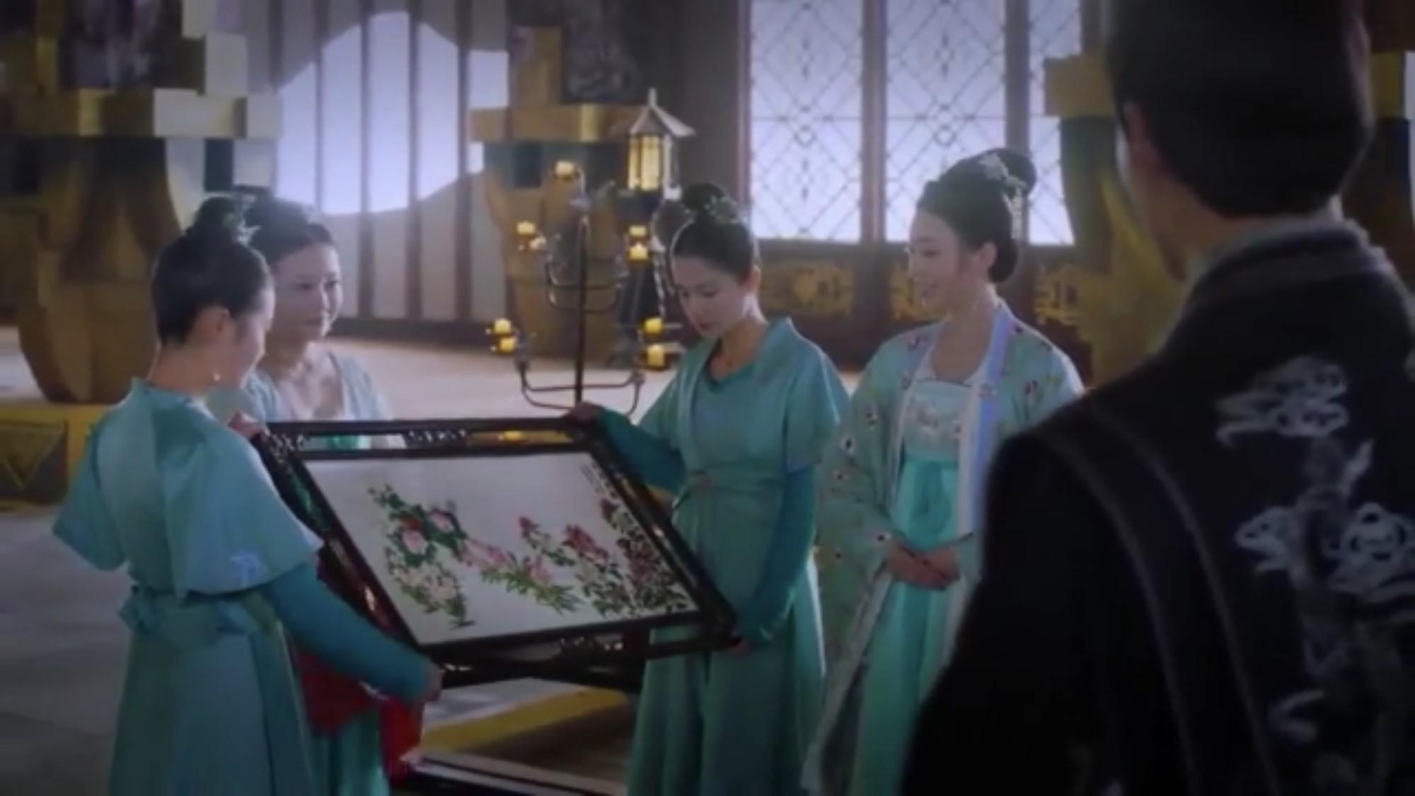 Sinh thần độc đáo nhất trong Đông Cung: Chủ tiệc sầu tơi tả, khách không mời lại hả hê - Ảnh 4.