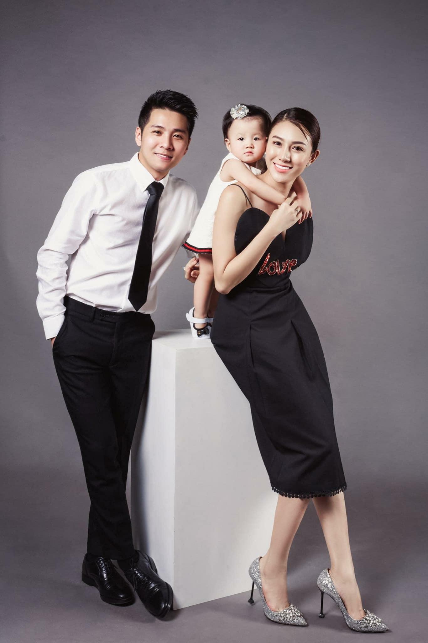 Lê Hà khoe khoảnh khắc thử váy cưới chuẩn bị cho ngày trọng đại với ông xã soái ca - Ảnh 9.
