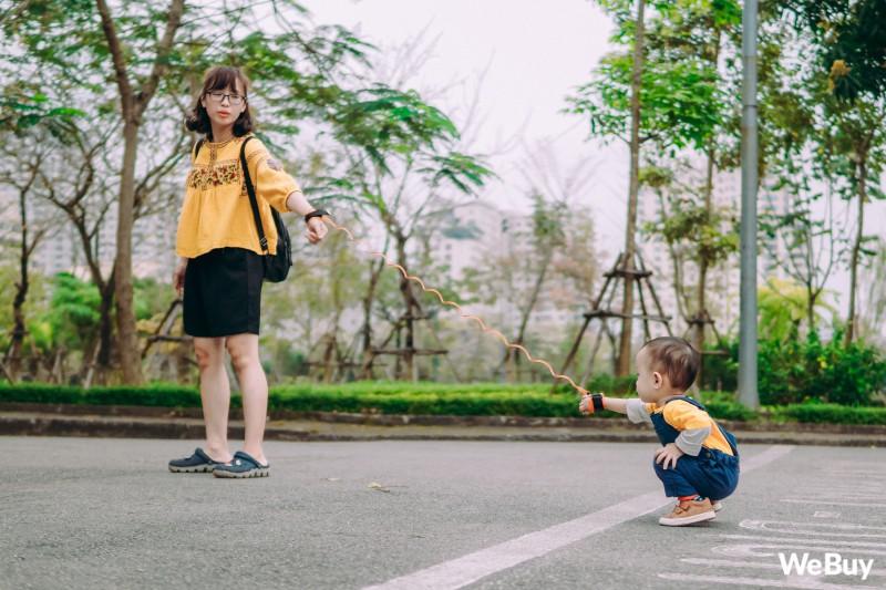 Những bà mẹ bị hội chứng mất não sau sinh nhất định phải thử qua sợi dây chống lạc con nơi công cộng này - Ảnh 11.