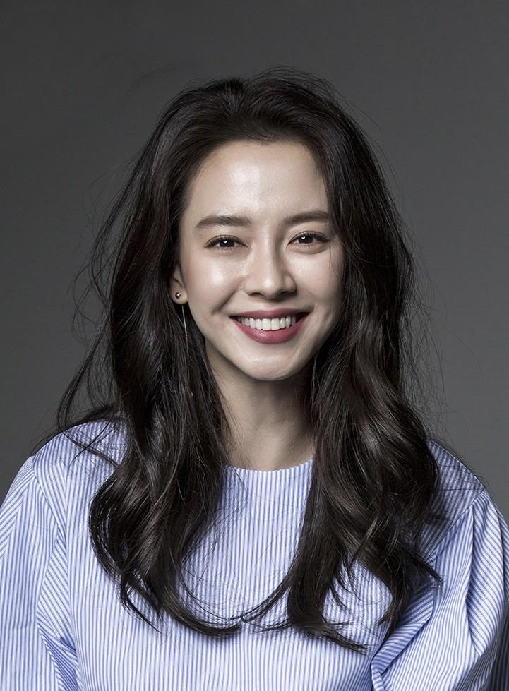 Lâu lắm rồi mới thấy Song Ji Hyo có một kiểu tóc gây thương nhớ như thế này! - Ảnh 7.