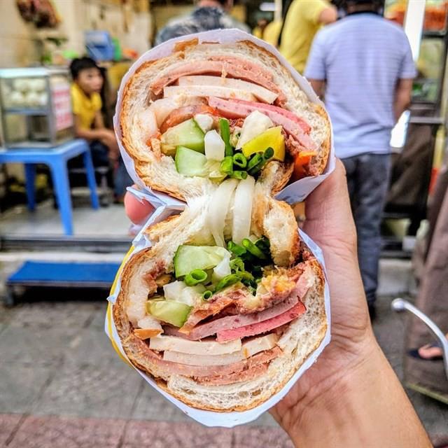 Sài Gòn có những quán ăn thách thức thực khách nhưng chẳng ai thấy phiền, thậm chí còn chưa bao giờ bớt... đông - Ảnh 7.