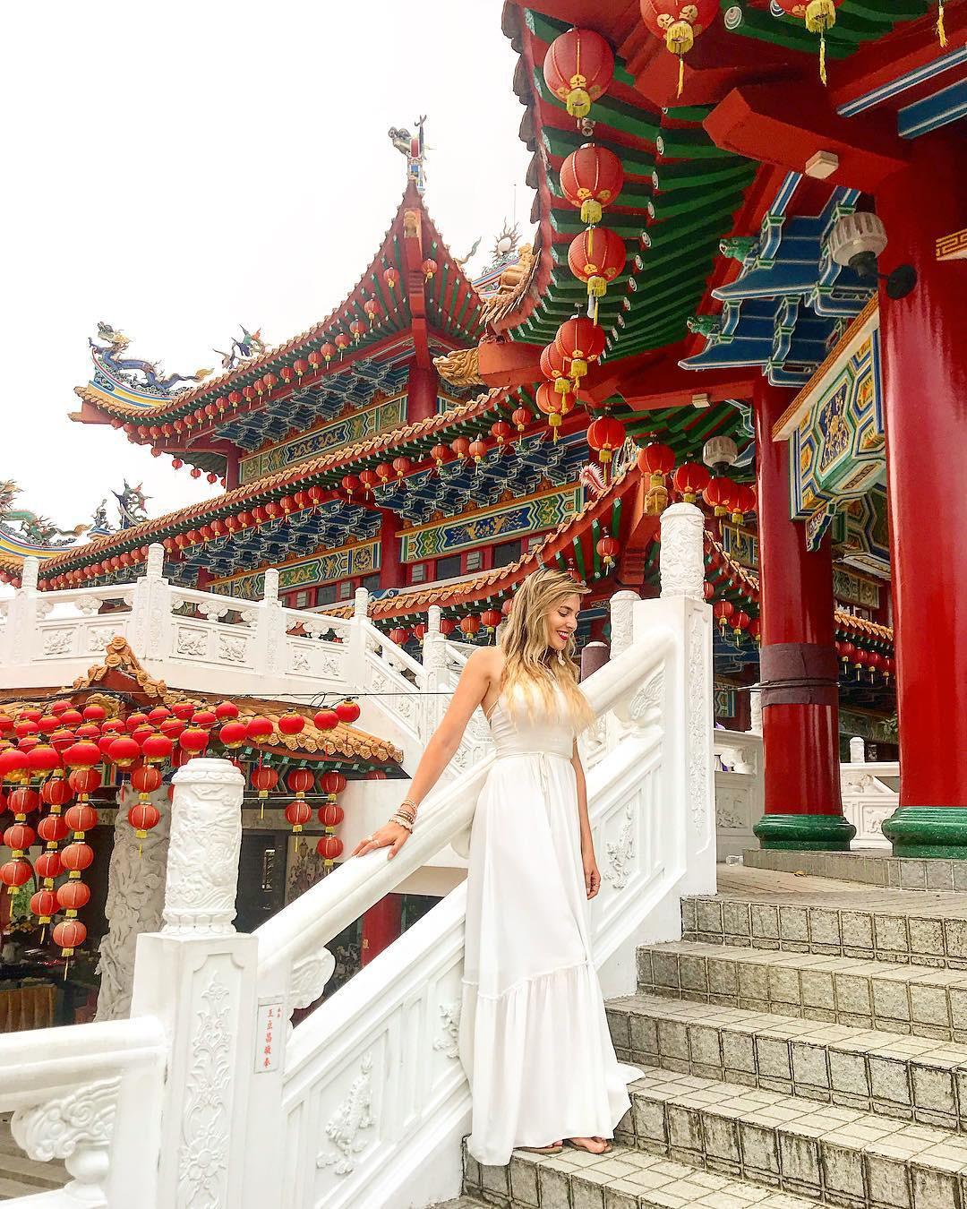 Phát hiện triệu góc check-in thần thánh ở ngôi chùa đèn lồng hot nhất Kuala Lumpur - Ảnh 8.