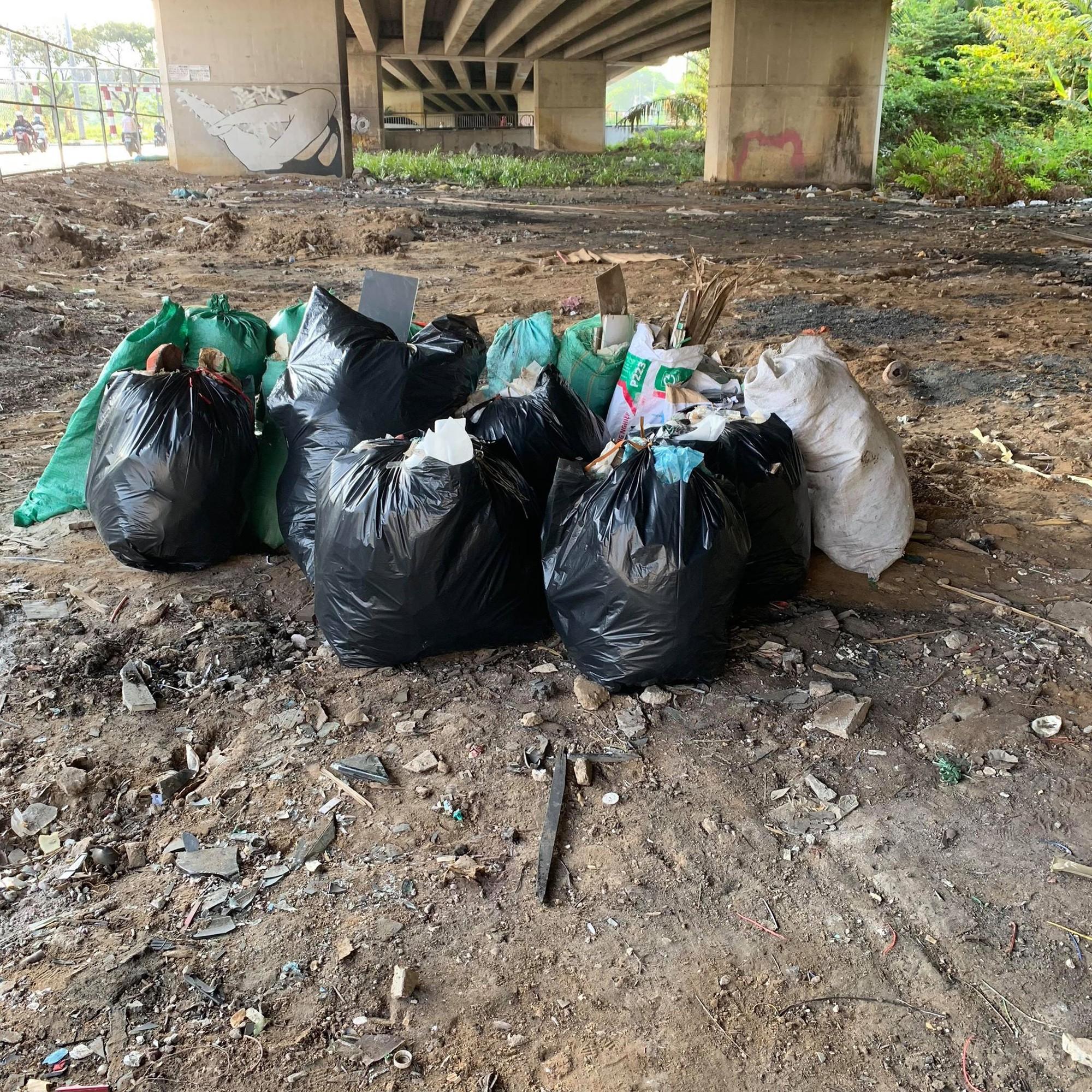 Quán quân Next Top Hương Ly tham gia thử thách dọn rác dưới chân cầu Phú Mỹ: Gia đình, bạn bè nói mình khùng và lì - Ảnh 7.