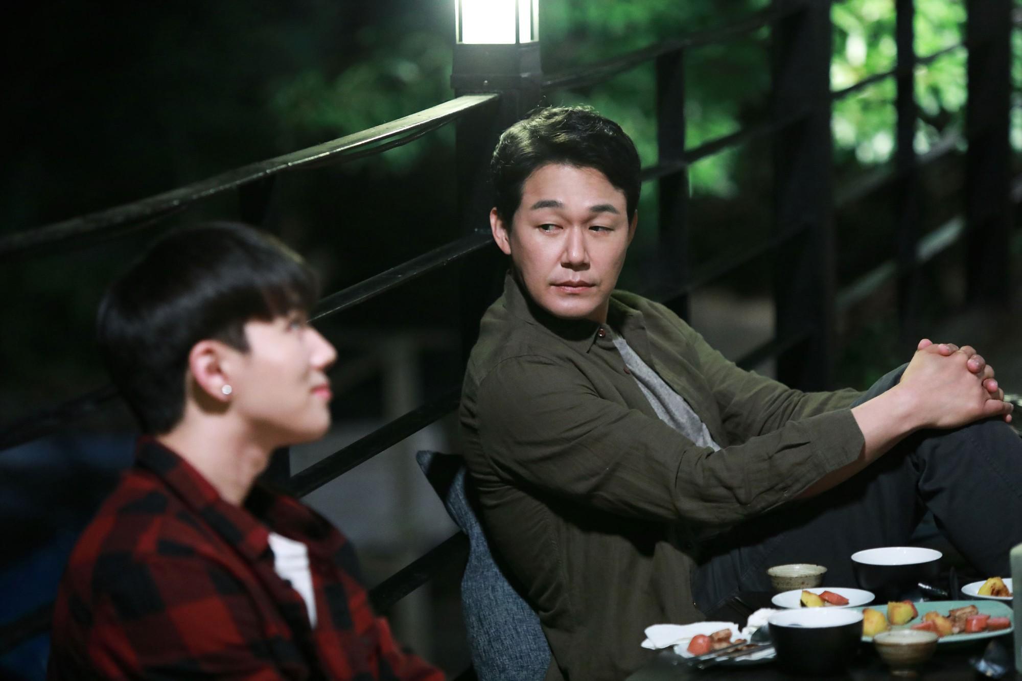 Muốn biết showbiz Hàn đáng sợ ra sao, xem ngay 4 bộ phim đình đám này! - Ảnh 10.
