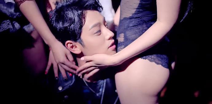 Rùng mình khi xem lại những thước phim phản cảm của bạn thân Seungri sau loạt phốt chấn động - Ảnh 18.