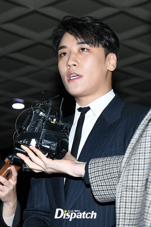 Thật ra Seungri (Big Bang) không phải tình nguyện giải nghệ mà bị YG đá khỏi công ty? - Ảnh 1.