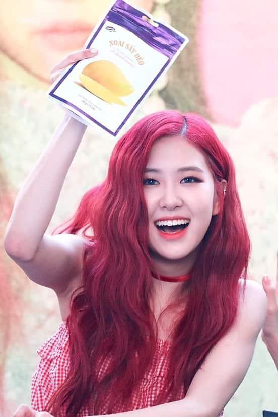 Fanmeeting của idol Kpop: Không biết là giao lưu hay đại hội vỗ béo trá hình - Ảnh 3.