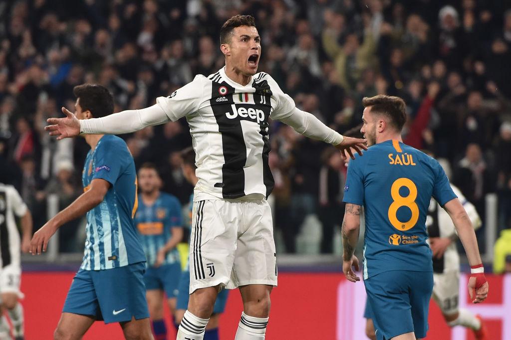 Ronaldo lập đại kỳ tích, Real Madrid chẳng liên quan cũng bị chọc quê - Ảnh 1.