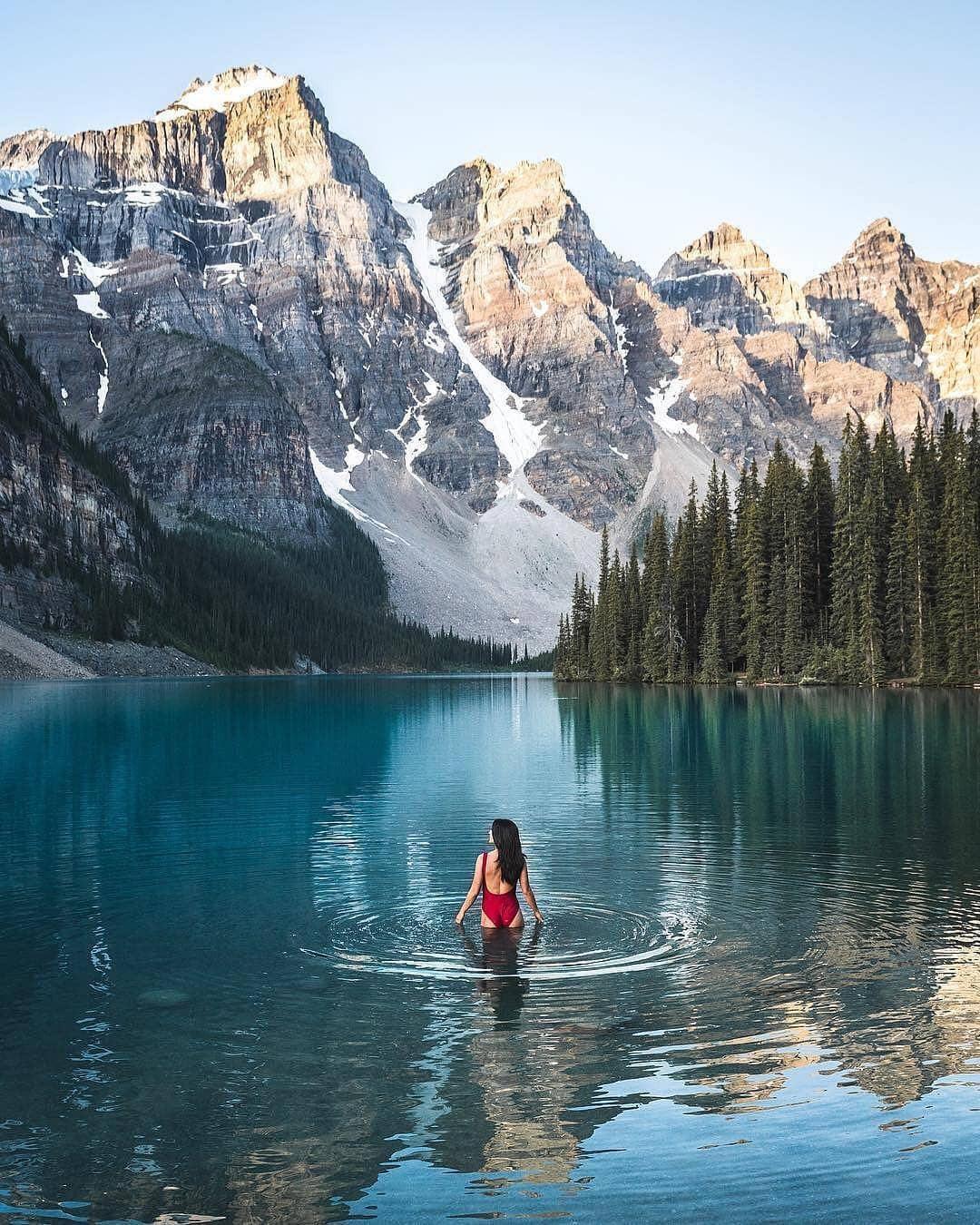 Có gì hay ở hồ nước màu xanh ngọc bích được mệnh danh là thiên đường trần gian ở Canada? - Ảnh 2.