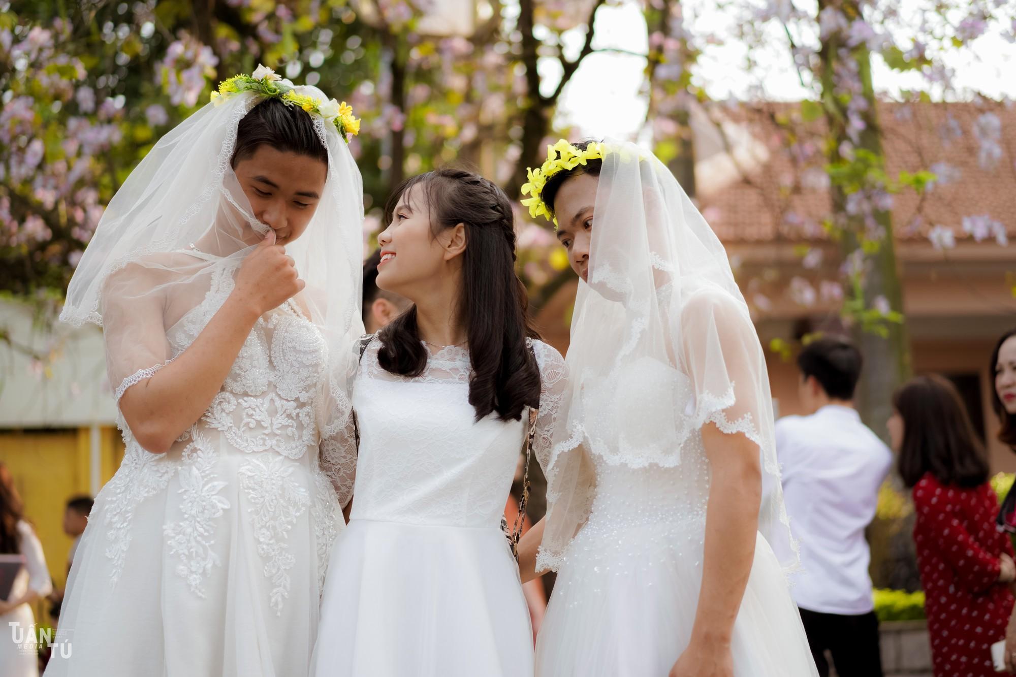 Lớp có mỗi 3 thằng con trai, hôm chụp kỷ yếu mặc váy cô dâu và ra đời bộ ảnh chất thế này đây - Ảnh 7.
