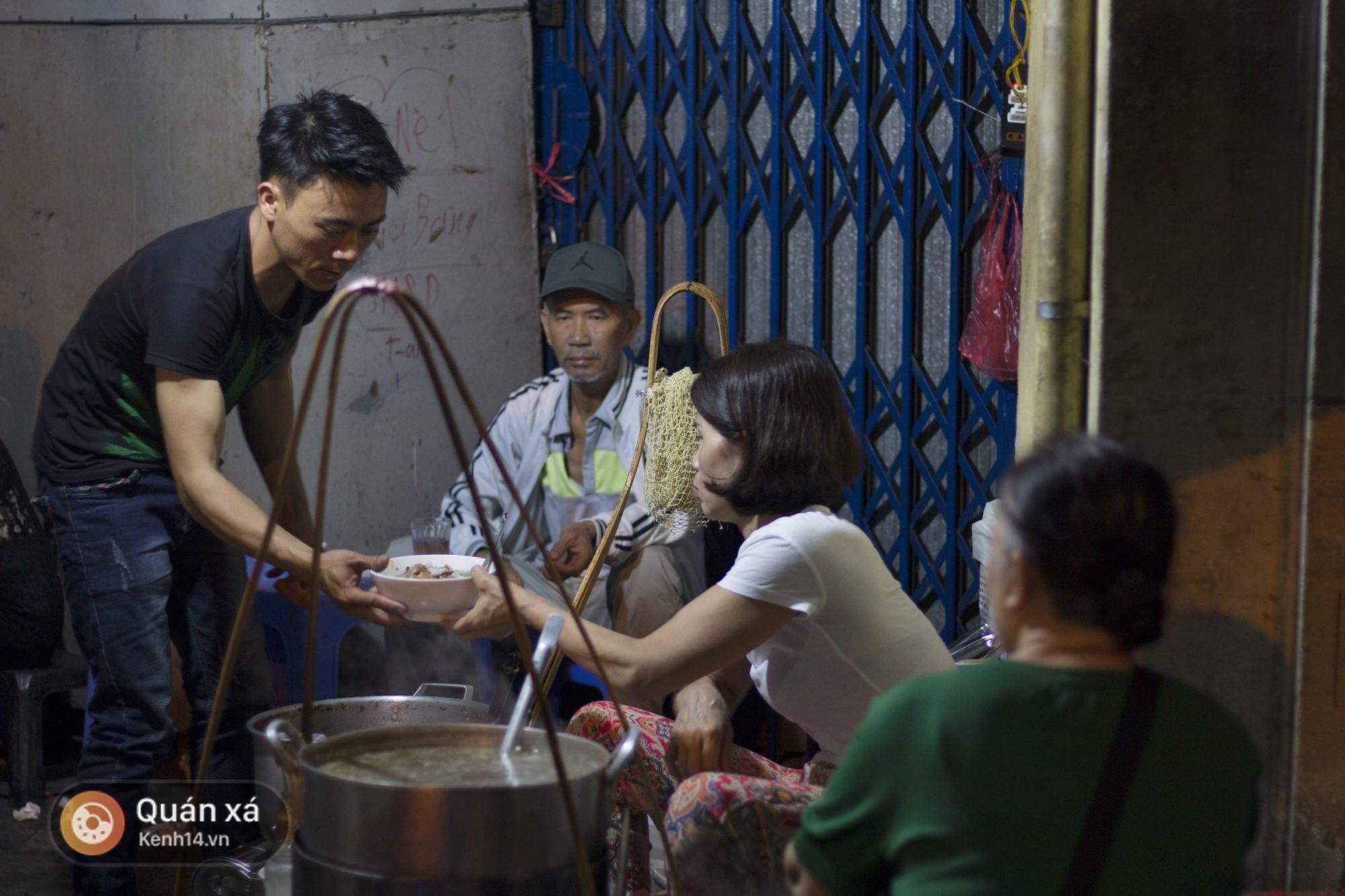 Điều gì khiến đầu bếp nổi tiếng Gordon Ramsay nói rằng: Chất lượng thức ăn Việt Nam quá cao so với giá thành! - Ảnh 5.