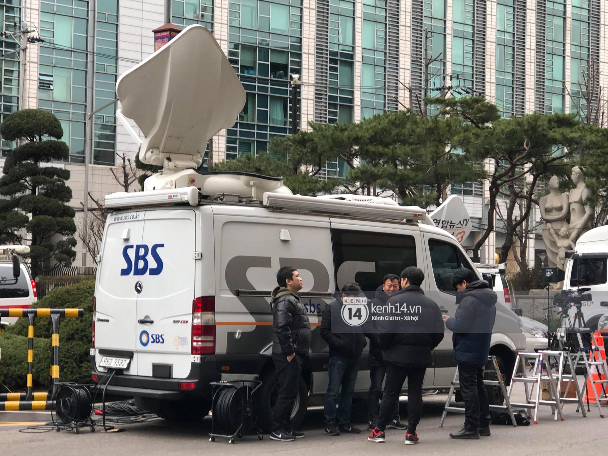 Tường thuật độc quyền từ Hàn Quốc: Seungri, Jung Joon Young chuẩn bị thẩm vấn xong, không khí hiện tại ra sao? - Ảnh 10.