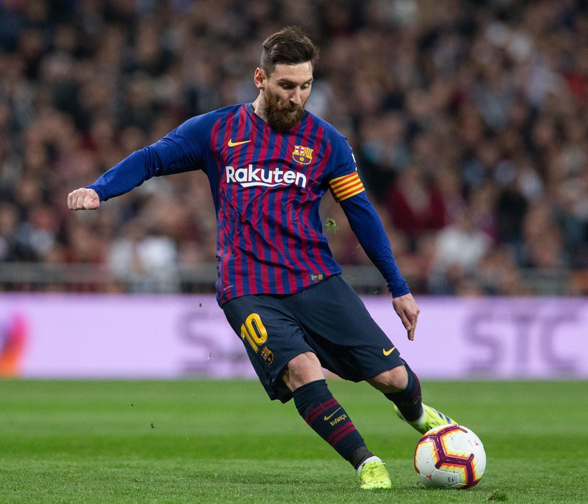 Ronaldo gọi, Messi trả lời: Bọ chét nguyên tử trình diễn phong độ thần thánh trong chiến thắng hủy diệt 5-1 trước Lyon (Pháp) - Ảnh 1.