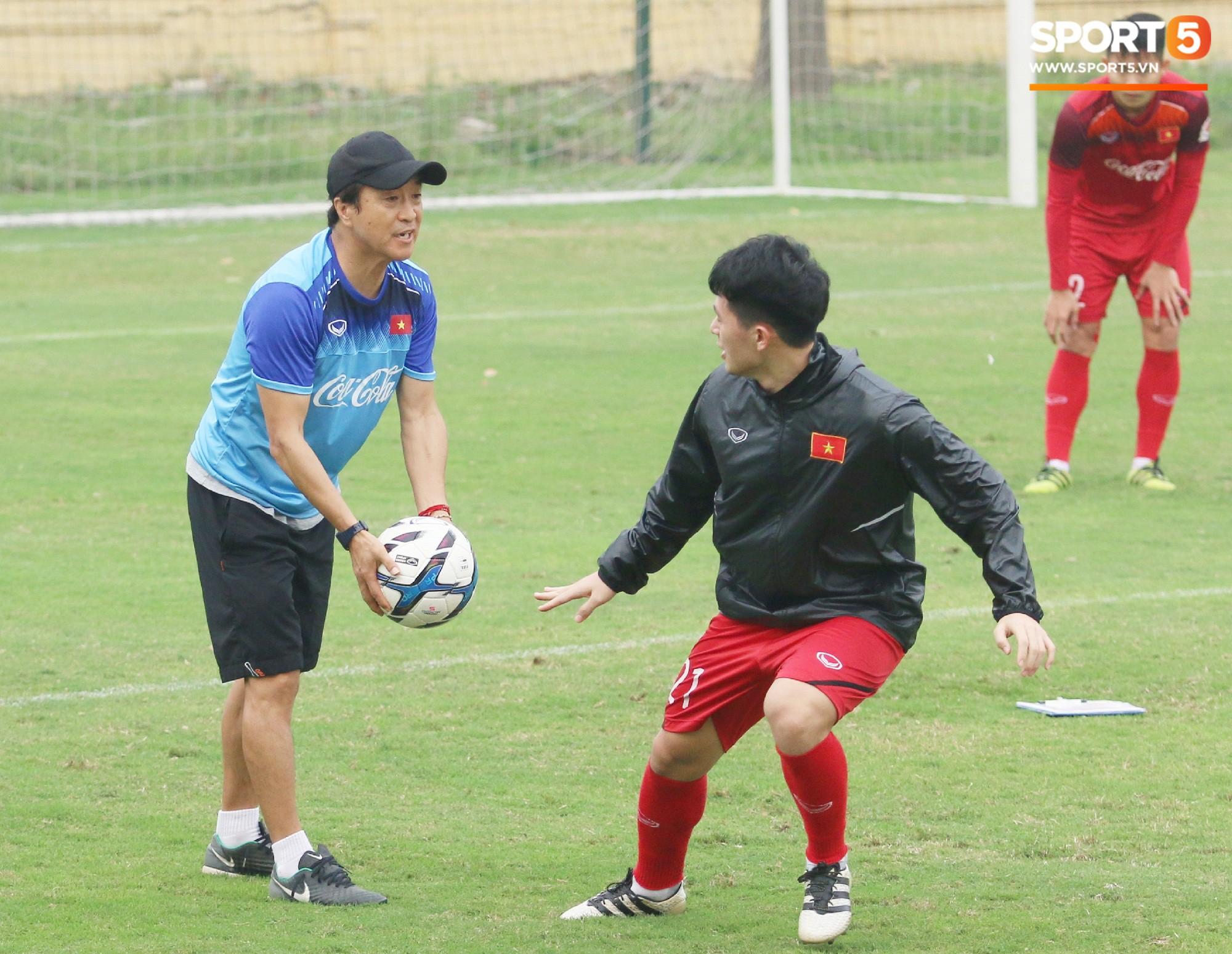 Đình Trọng được thầy Lee Young-jin bổ túc riêng, đẩy nhanh quá trình giảm cân - Ảnh 2.