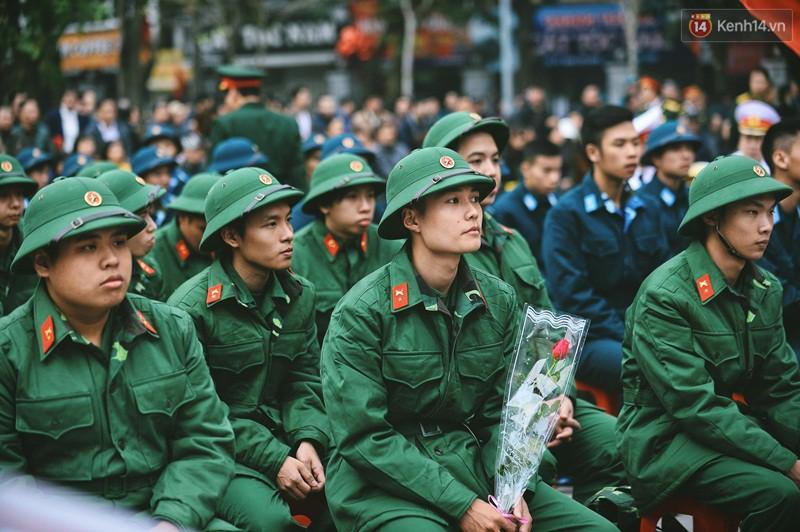 Thí sinh có hình xăm, chữ xăm sẽ không được xét tuyển vào các trường Quân đội - Ảnh 1.