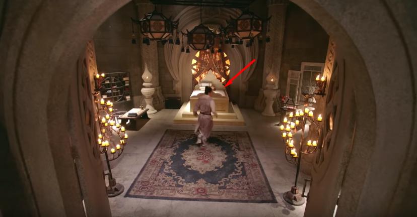 Ngạc nhiên chưa, khi mà cả võ lâm còn thắp sáng bằng nến thì Minh Giáo của Tân Ỷ Thiên Đồ Long Ký 2019 đã dùng hẳn... đèn pha - Ảnh 2.