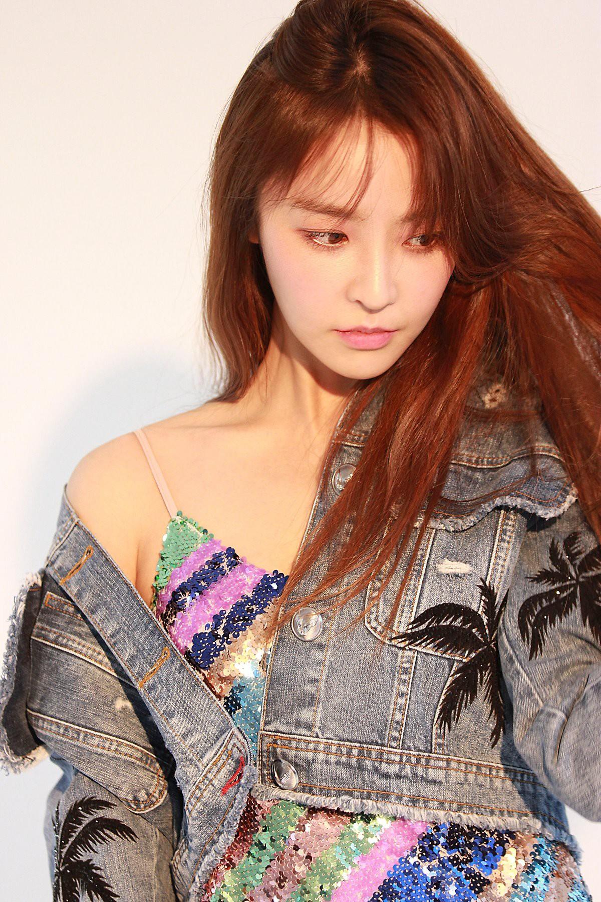Hội bạn gái tin đồn đẹp như tiên làm gì, phản ứng ra sao giữa tâm bão bê bối chấn động của Seungri, Jung Joon Young? - Ảnh 4.