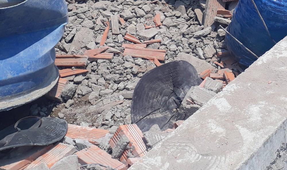 Vĩnh Long: Sập tường công trình nhà xưởng, ít nhất 15 người bị vùi lấp trong đó có 5 người tử vong - Ảnh 3.