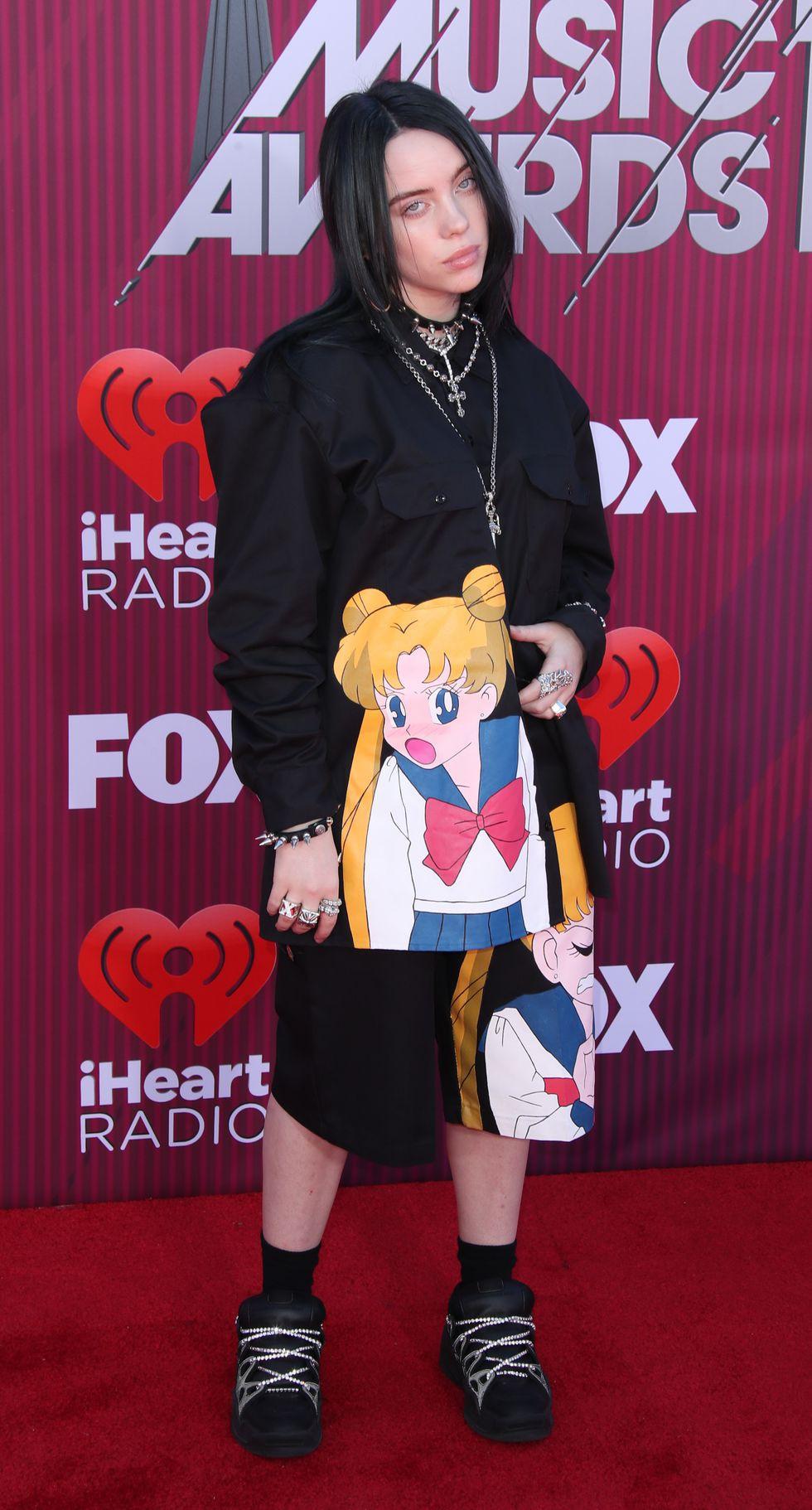 Thảm đỏ iHeartRadio: Taylor Swift chiếm hết spotlight, Katy Perry và Tiffany (SNSD) diện đồ khó đỡ - Ảnh 13.