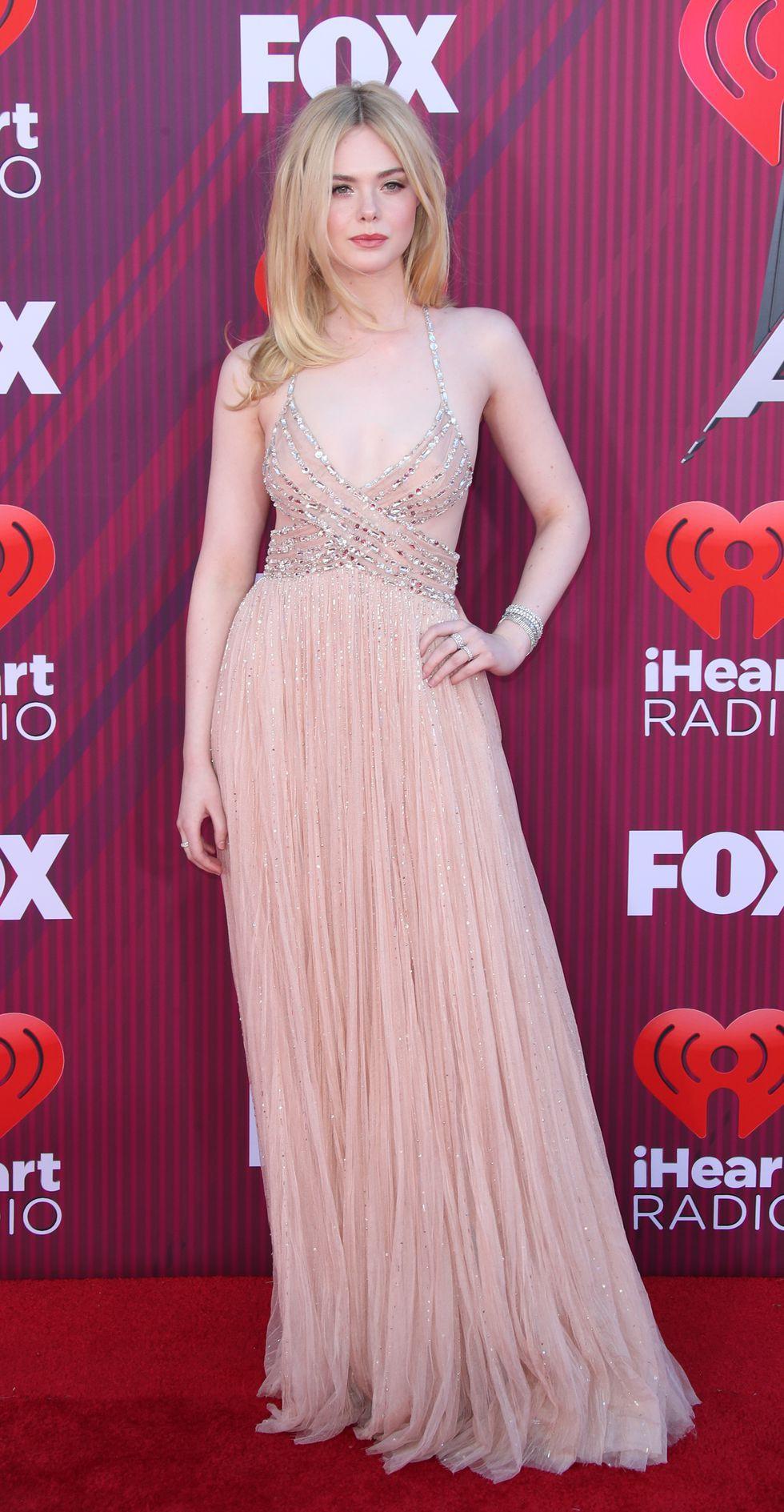 Thảm đỏ iHeartRadio: Taylor Swift chiếm hết spotlight, Katy Perry và Tiffany (SNSD) diện đồ khó đỡ - Ảnh 11.