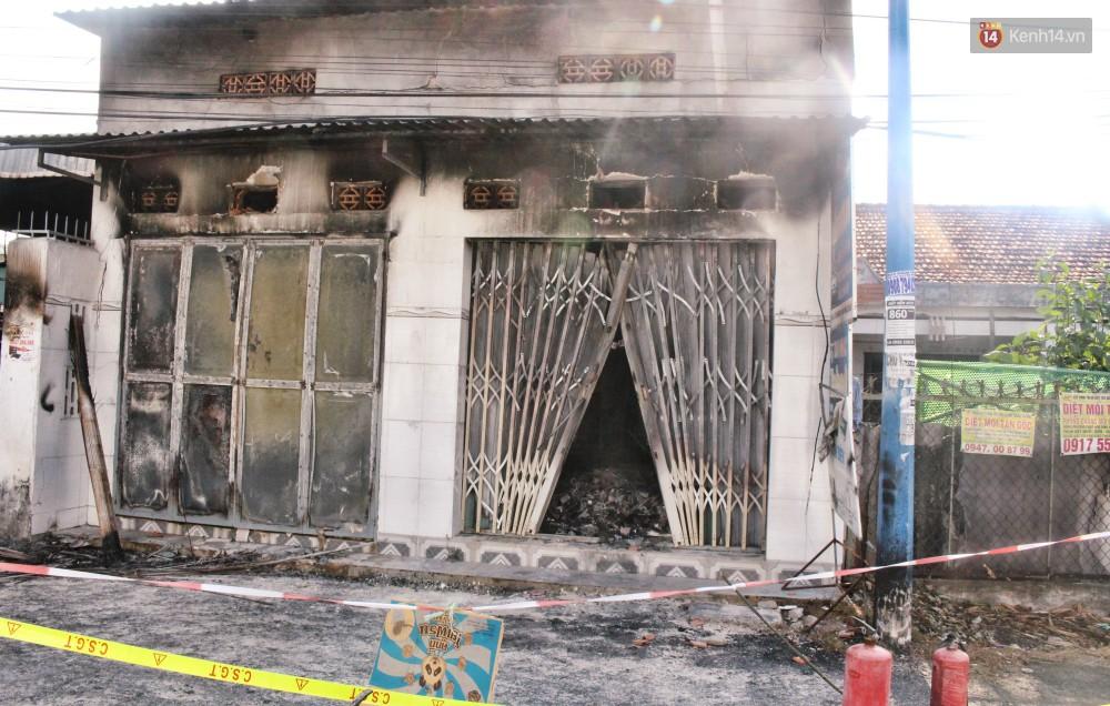 """Sự ám ảnh của nhân chứng vụ cháy khiến bé gái 10 tuổi tử vong cùng bố mẹ: """"Tiếng kêu cứu lịm dần rồi tắt hẳn trong biển lửa... - Ảnh 1."""