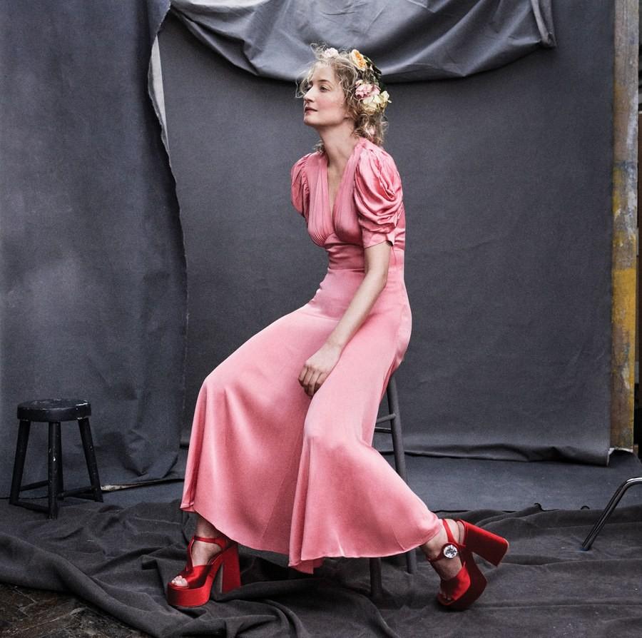 Lên bìa Vogue Mỹ cùng dàn minh tinh thế giới, bao nhiêu thần thái của Angela Baby bay biến sạch sẽ - Ảnh 6.