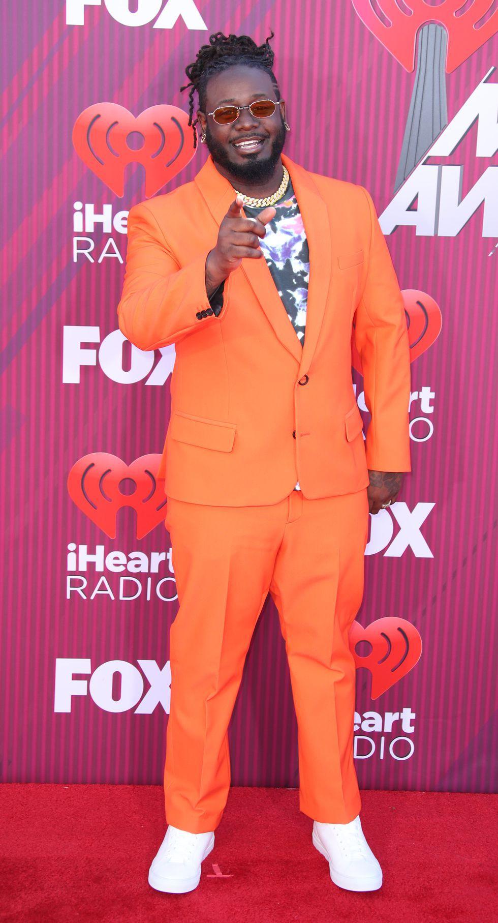Thảm đỏ iHeartRadio: Taylor Swift chiếm hết spotlight, Katy Perry và Tiffany (SNSD) diện đồ khó đỡ - Ảnh 14.