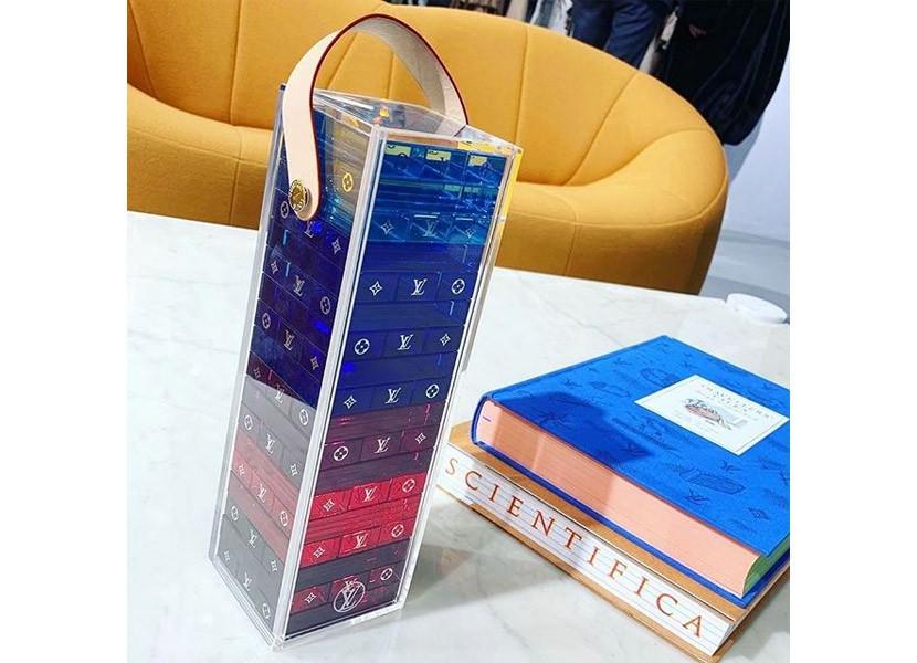 Sau bộ rút gỗ 57 triệu đồng, Louis Vuitton ra mắt chiếc ba lô khổng lồ 230 triệu đeo trĩu cả lưng - Ảnh 2.