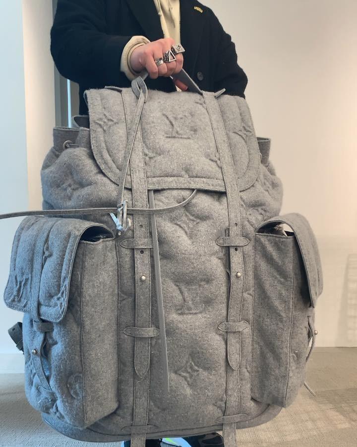 Sau bộ rút gỗ 57 triệu đồng, Louis Vuitton ra mắt chiếc ba lô khổng lồ 230 triệu đeo trĩu cả lưng - Ảnh 6.