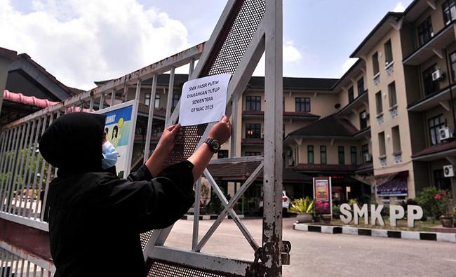 Gần 2.400 người Malaysia nhập viện do ngộ độc hóa chất - Ảnh 1.