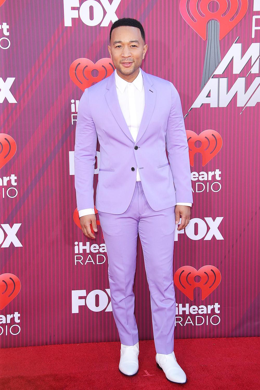 Thảm đỏ iHeartRadio: Taylor Swift chiếm hết spotlight, Katy Perry và Tiffany (SNSD) diện đồ khó đỡ - Ảnh 8.