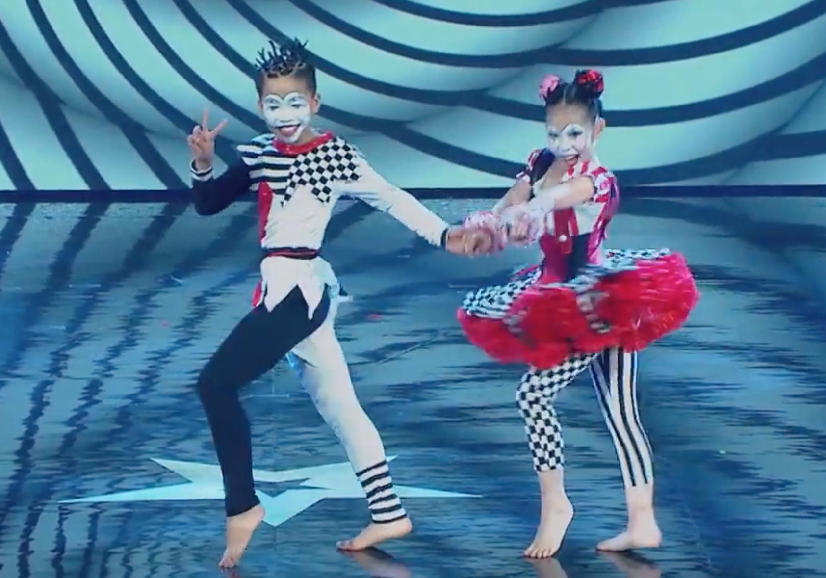 Asias Got Talent: Cặp đôi nhí Việt Nam khiến giám khảo thót tim với màn thả người trên không - Ảnh 5.