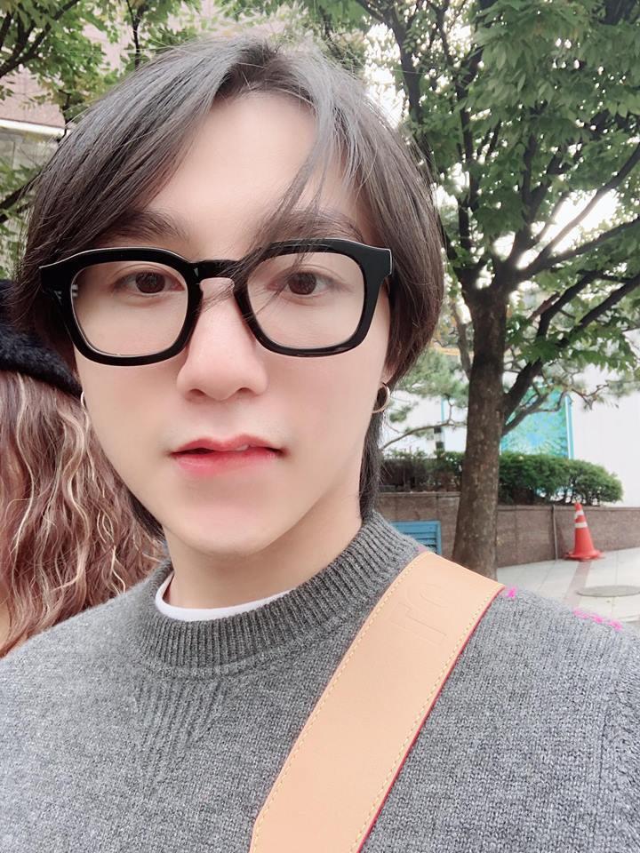 Em trai Sơn Tùng M-TP mới thả nhẹ một tấm hình, fan đã đồng lòng: Sao mà giống anh trai thế! - Ảnh 2.
