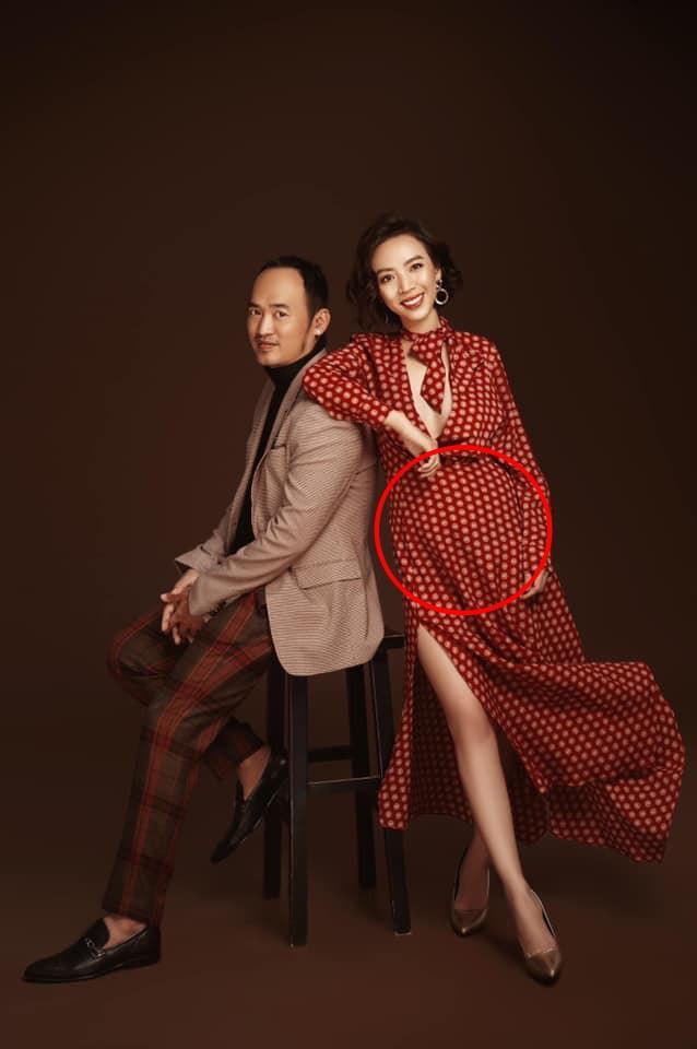 Lộ vòng bụng lớn bất thường, diễn viên hài Thu Trang đang mang thai lần hai? - Ảnh 1.
