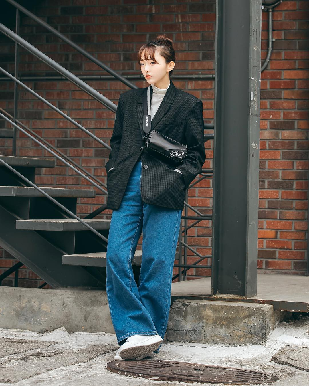 Chỉ cần ngắm street style chất lừ của giới trẻ Hàn tuần qua, công cuộc ăn mặc của bạn chắc chắn sẽ lên hương - Ảnh 1.