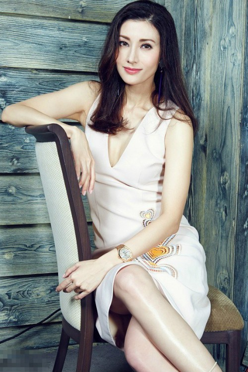 100 most beautiful faces in Asia: Lisa left the Ang 's Baby - Sung Hi Kyu, HH Dang Thu Thao and Ngoc Trinh suddenly came up - Picture 24.