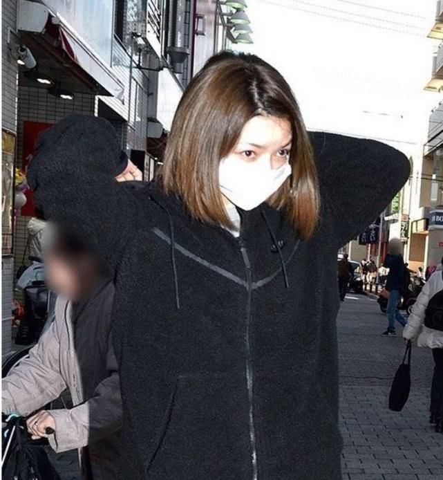 Vụ ngoại tình xôn xao showbiz Nhật Bản: Tiểu tam bị đòi bồi thường 700 triệu bèn tố ngược tình nhân chán cơm thèm phở - Ảnh 8.