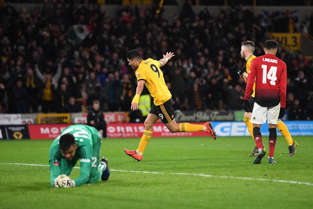 Công cùn và thủ kém, Manchester United bị đá bay khỏi FA Cup ở tứ kết - Ảnh 8.