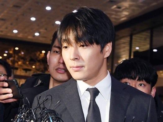 Có nhiều con đường giải nghệ nhưng sao năm nay idol Kpop lại từ giã ánh đèn sân khấu với lí do buồn đến thế? - Ảnh 6.