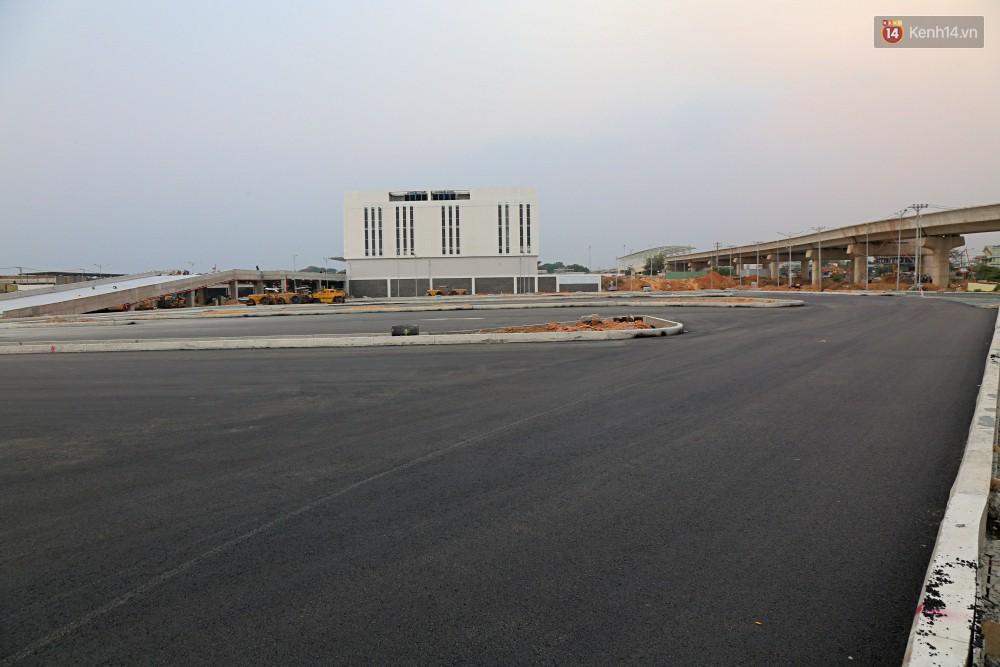 Cận cảnh bến xe Miền Đông lớn nhất Việt Nam đang dần thành hình, tổng vốn đầu tư 4 nghìn tỷ - Ảnh 11.