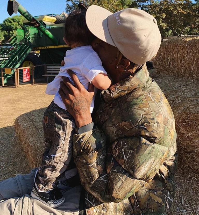 Những lần diện đồ đôi siêu đỉnh của Kylie Jenner và con gái đầu lòng - Ảnh 11.