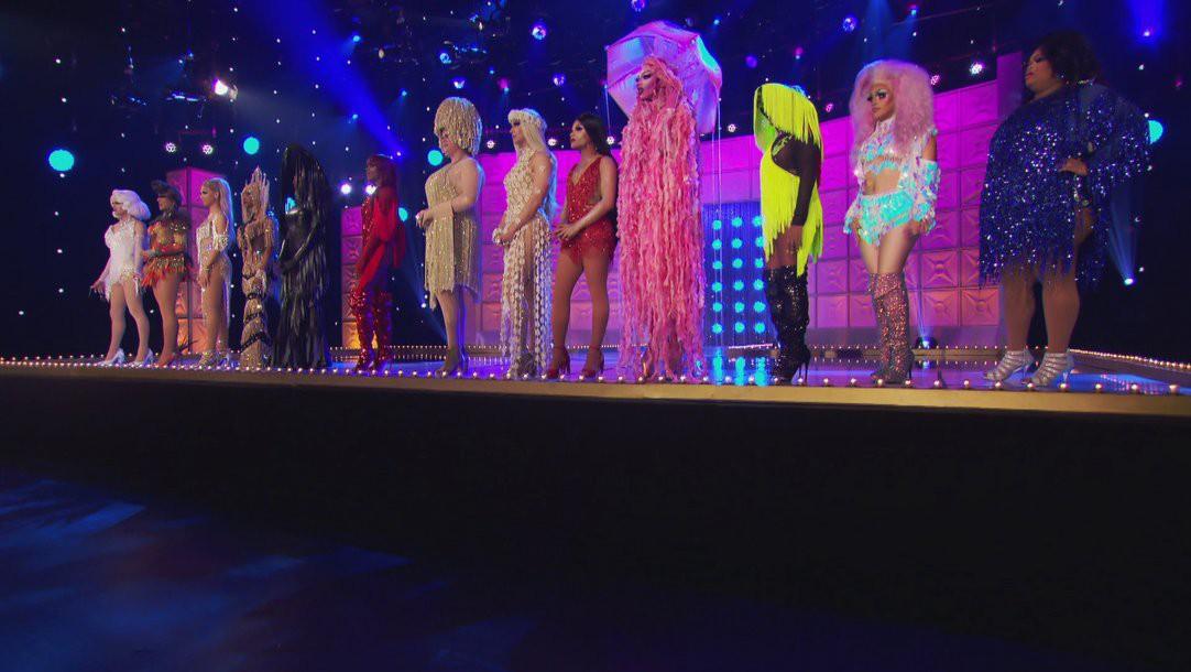 Minh Tuyết chính là nguồn cảm hứng hóa trang của thí sinh người Việt tại show Drag Queen - Ảnh 9.