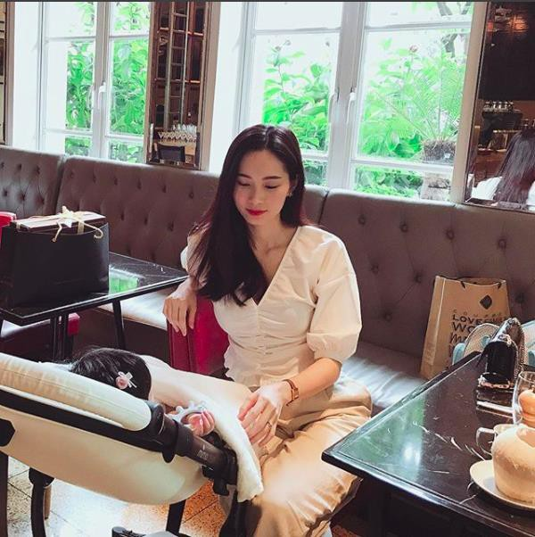 Long time Dang Thu Thao just released a photo of the studio, beauty worthy of the goddess despite being breast milk - Photo 4.