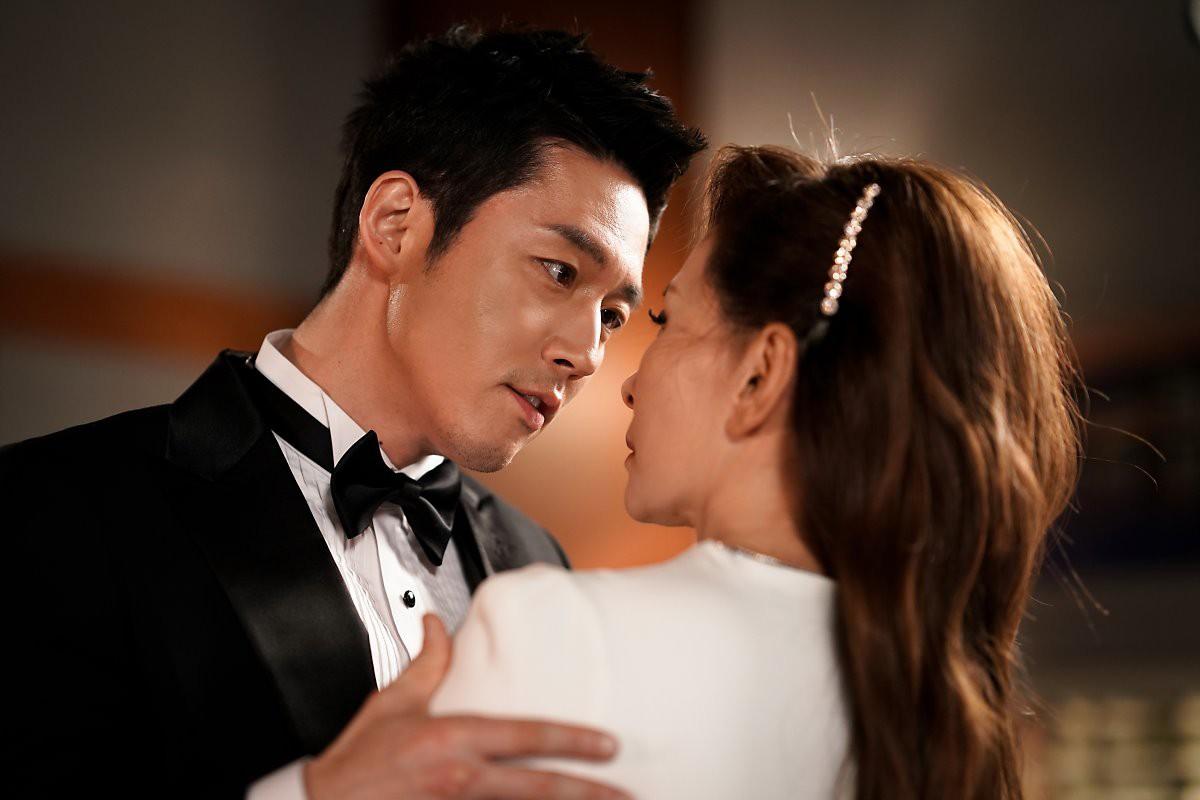 Trước khi dính líu tới vụ tự tử của sao nữ Vườn Sao Băng, quý bà Lee Mi Sook gây sốc từ sự nghiệp đến đời tư - Ảnh 9.
