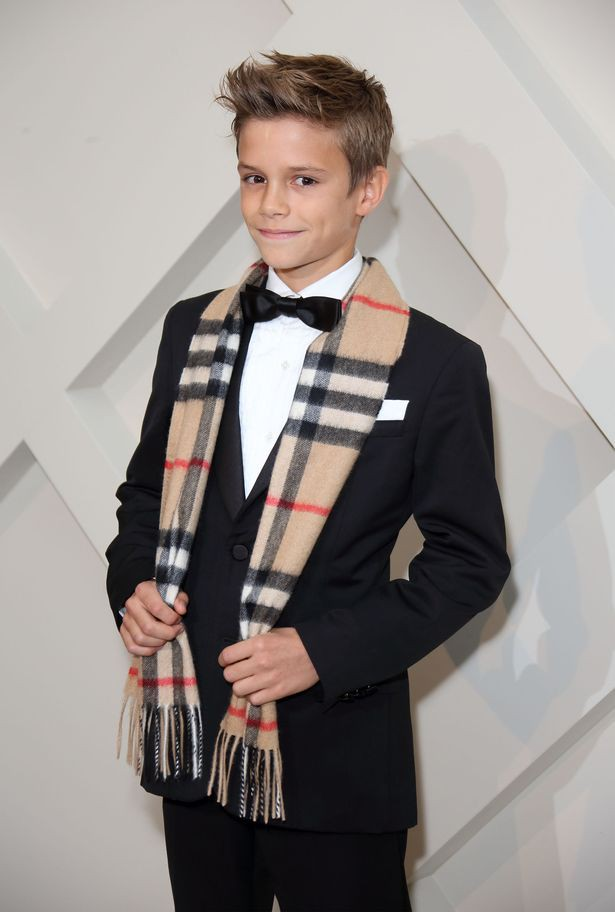 1burberry-launch-their-festive-campaign-starring-romeo-beckham-1552981983906663941166.jpg