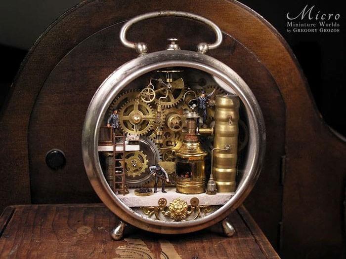Nghệ sĩ này đem cả thế giới tí hon vào những chiếc đồng hồ cũ hỏng, kết quả ngoài cả sức tưởng tượng! - Ảnh 9.