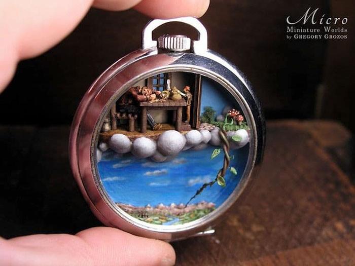 Nghệ sĩ này đem cả thế giới tí hon vào những chiếc đồng hồ cũ hỏng, kết quả ngoài cả sức tưởng tượng! - Ảnh 10.
